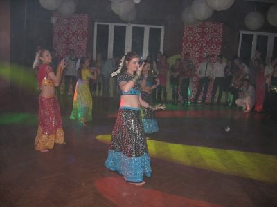 b_400_400_16777215_00_images_stories_wdk_relacje_bollywood_bollywood_029.jpg